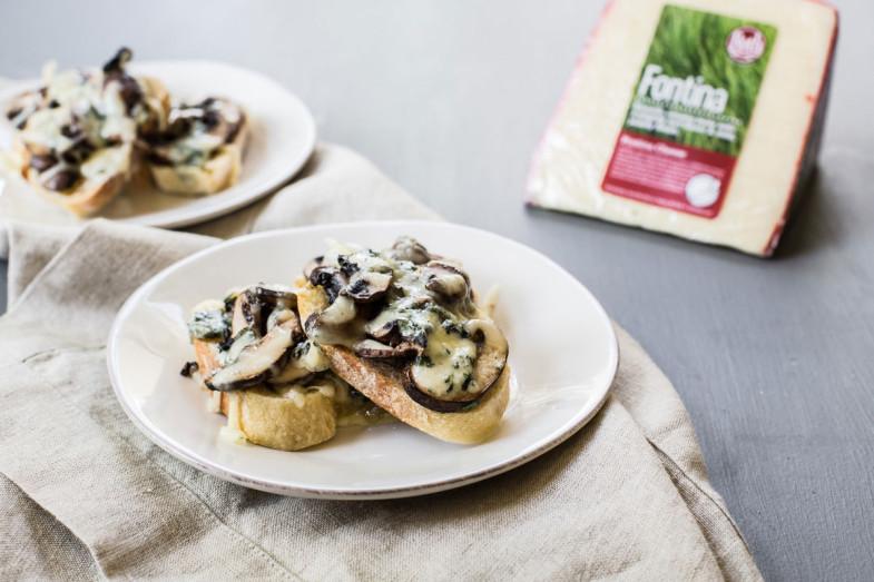 Buttermilk Blue® Crostini With Mushrooms
